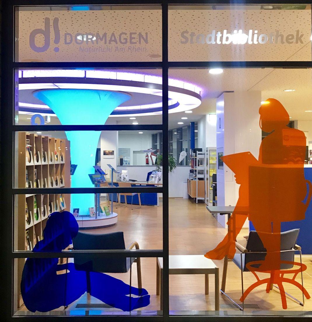 Lernort Bibliothek_ProLibris 1-2019_18_12_11 Dormagen Fensterfiguren