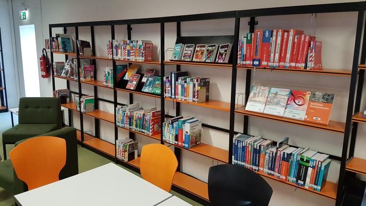 Das neue, noch nicht ganz fertige Lernzentrum in Gummersbach (Bildrechte: Christian Bürgin)